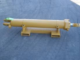 Cat 631/633/637D/E/G Steering Cylinder Group