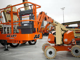JLG 340AJ Diesel Articulating Boom Lift - picture4' - Click to enlarge
