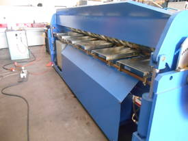 Shawbend 3050mm x 3.5mm Full Hydraulic Panbrake - picture16' - Click to enlarge