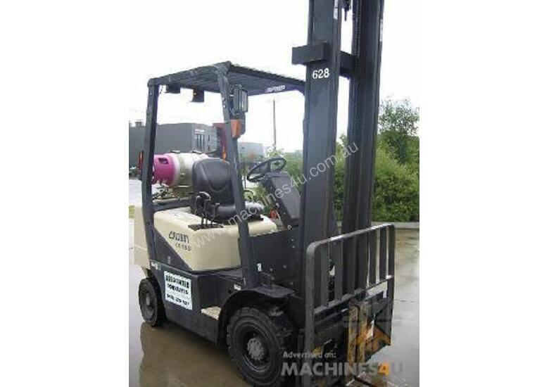 CROWN 1.8t  LPG Auto Forklift with LOW HOURS