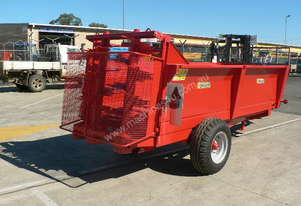 Tuffass M40 manure / compost spreader