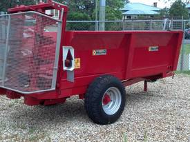 Tuffass M40 manure / compost spreader - picture3' - Click to enlarge