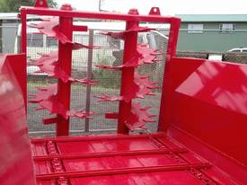 Tuffass M40 manure / compost spreader - picture4' - Click to enlarge