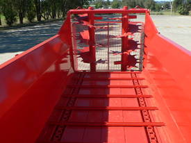 Tuffass M40 manure / compost spreader - picture2' - Click to enlarge