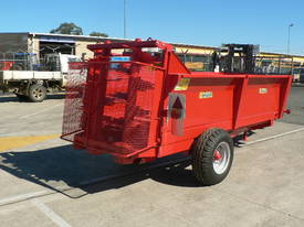 Tuffass M40 manure / compost spreader - picture0' - Click to enlarge