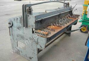 METAL CUTTING GUILLOTINE/ 1.8M WIDE