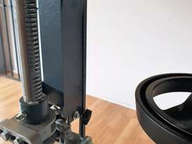 Felder FB610 Industrial Bandsaw - picture3' - Click to enlarge