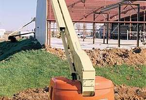 JLG 660SJC Telescopic Crawler Boom Lift