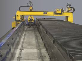 Gantry type pipe & plate cutting machine - picture0' - Click to enlarge
