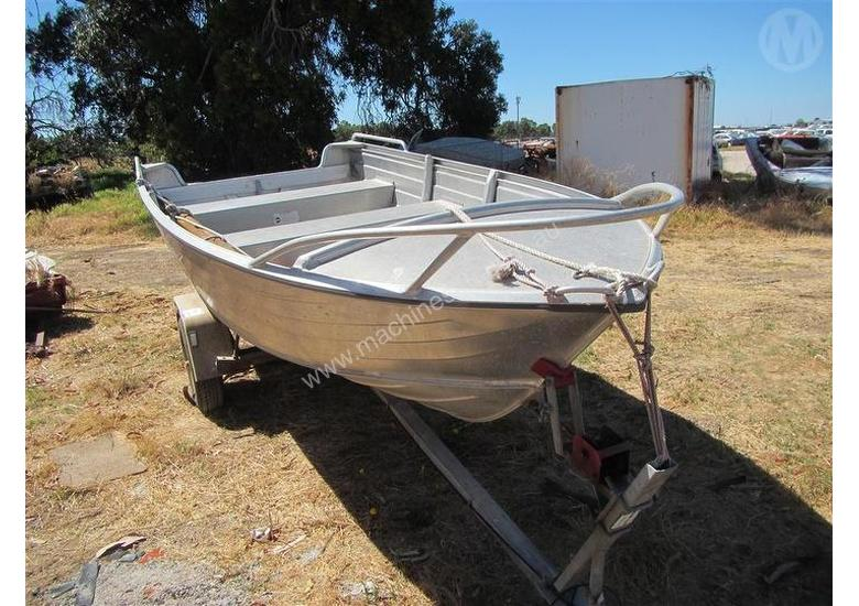 Used Savage 400 KESTREL Boat Trailers in PERTH INTERNATIONAL AIRPORT ...