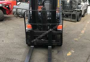 TOYOTA 7FB20 Electric Forklift 4.3m Container Mast