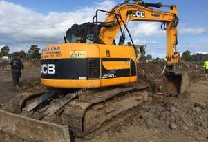 14tonne excavator, comes with GP and Mud buckets