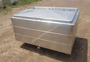 STAINLESS STEEL TANK, MILK VAT 660 LT