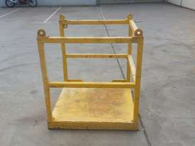 safety lifting cage - picture0' - Click to enlarge
