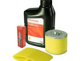 Powerlite PH045 Service Kit - filters, spark plug and oil - picture0' - Click to enlarge