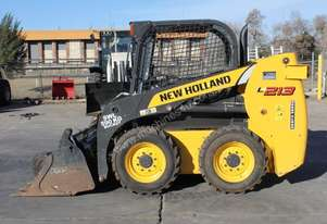 New Holland L213 Skid Steer Loader