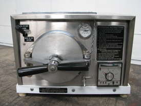 Autoclave Sterilizer - picture1' - Click to enlarge