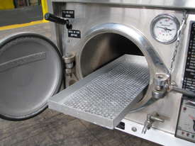 Autoclave Sterilizer - picture3' - Click to enlarge