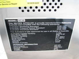 Autoclave Sterilizer - picture5' - Click to enlarge