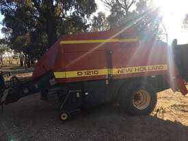 New Holland D1210 Square Baler Hay/Forage Equip - picture1' - Click to enlarge