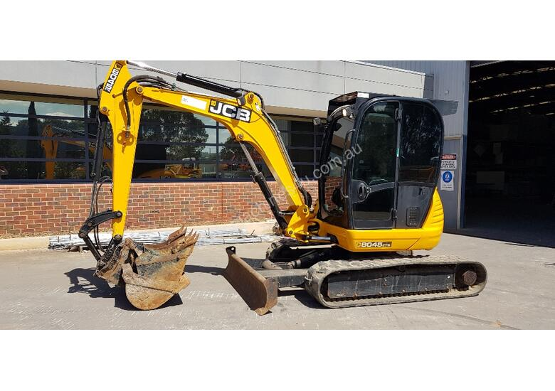 JCB 8045 5T EXCAVATOR WITH LOW 1650 HOURS, FULL A/C CAB, QUICK HITCH AND BUCKETS. READY TO GO!