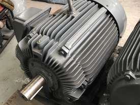 75 kw 100 hp 4 pole 415 volt AC Electric Motor - picture0' - Click to enlarge
