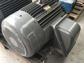75 kw 100 hp 4 pole 415 volt AC Electric Motor - picture4' - Click to enlarge