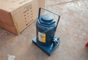 Unused 50 Ton Hydraulic Bottle Jack - 3836-104