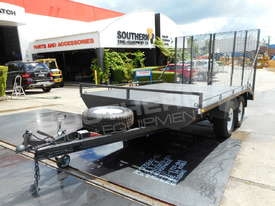 Plant Trailers 4.5 TON Moffett Forklifts Tailgater 4500kg Trailers ATTPT - picture5' - Click to enlarge