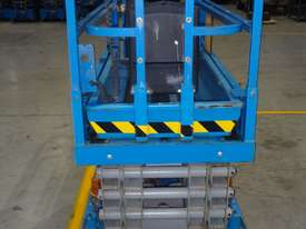 07/2013 Genie GS1932 - Narrow Electric Scissor Lift - picture2' - Click to enlarge