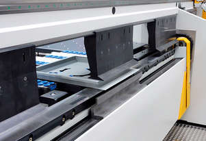 RAS UpDownCentre-2 - Semi-automatic folding with automatic tool changer