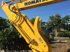 Komatsu PC135 Hydraulic Thumb - picture0' - Click to enlarge