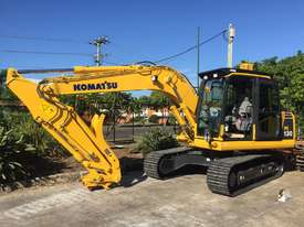Komatsu PC135 Hydraulic Thumb - picture2' - Click to enlarge