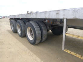 Freighter Semi Flat top Trailer - picture15' - Click to enlarge