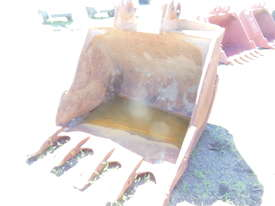 Digger Bucket Caterpillar - picture0' - Click to enlarge