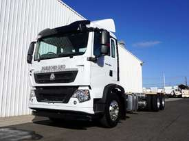 New Diamond Reo T5G�(6x4) Cab Chassis - picture0' - Click to enlarge