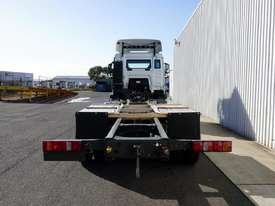 New Diamond Reo T5G�(6x4) Cab Chassis - picture1' - Click to enlarge