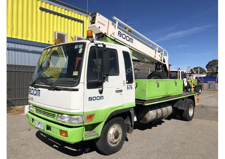 2000 HINO FD2J WITH 1996 STEELCO TRAVEL TOWER