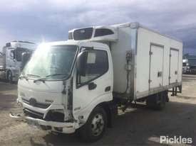 2014 Hino 300 616 - picture2' - Click to enlarge