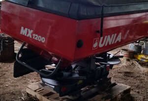 UNIA MX1200 Fertilizer/Manure Spreader Fertilizer/Slurry Equip