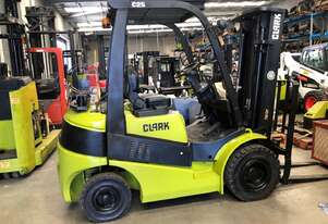 Container Access with Weight Gauge 2.5t LPG CLARK Forklift