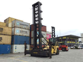 9.0T Diesel Empty Container Handler - picture0' - Click to enlarge