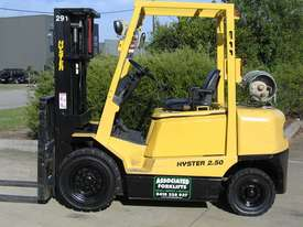 HYSTER 2.5t LPG Forklift with Container mast - picture0' - Click to enlarge