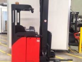 LINDE R16HD High Reach Forklift - picture1' - Click to enlarge