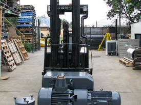 Large Industrial Rotary Vane Vacuum Pump - picture0' - Click to enlarge