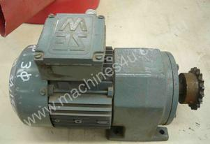 SEW EURODRIVE REDUCTION BOX MOTOR/ 172RPM