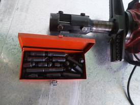 Pipe Beveller Internal Clamp - picture0' - Click to enlarge