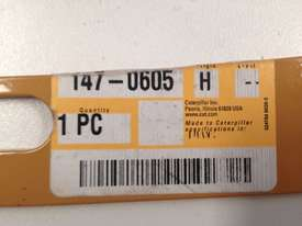 Genuine Caterpillar CAT SHIM 147-0605 H - picture2' - Click to enlarge