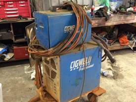 Cigweld Transmig 400HD - picture1' - Click to enlarge