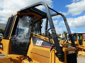 D4G XL Dozers Screens & Sweeps DOZSWP - picture2' - Click to enlarge